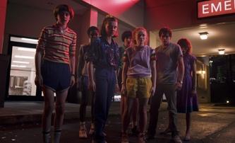Stranger Things 3: Nový klip a velká sada plakátů | Fandíme filmu