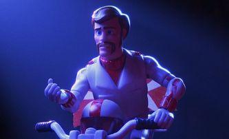 Toy Story 4: V nejnovějším traileru může Woodymu pomoci jedině Keanu Reeves | Fandíme filmu