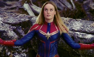 Avengers: Captain Marvel na místě Black Widow a další kuriózní fotky z natáčení | Fandíme filmu