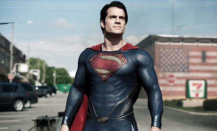 Scenáristé Avengers vědí, jak udělat správně Supermana. Henry Cavill se role nechce vzdát | Fandíme filmu