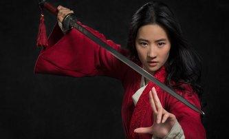 Mulan: Teaser trailer láka na další hranou verzi pohádky od Disneyho | Fandíme filmu