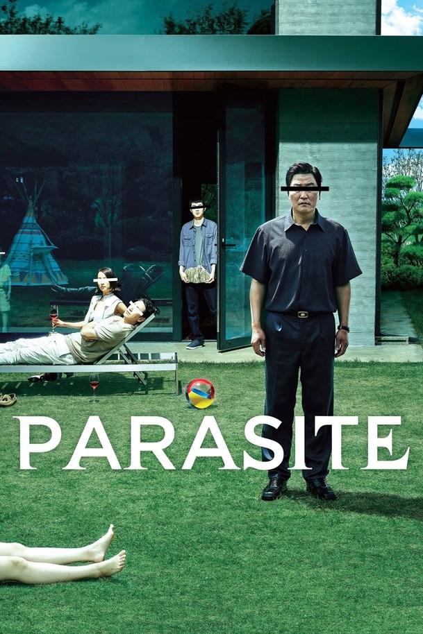 Recenze: Parazit - Dobrodružství chudé rodiny, která se vyčuraně přiživí na zbohatlících | Fandíme filmu