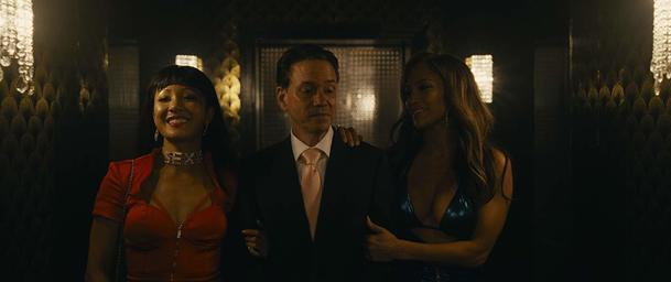 Hustlers: Parta striptérek s Jennifer Lopez v čele v prvním traileru rozjíždí velkou fintu | Fandíme filmu
