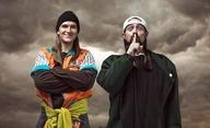 Jay and Silent Bob Reboot: Úchylná dvojka od Kevina Smithe je tu s hvězdami nabitým trailerem | Fandíme filmu