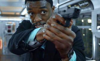 21 Bridges: V traileru na akční kriminálku nechá Black Panther odříznout celý Manhattan | Fandíme filmu