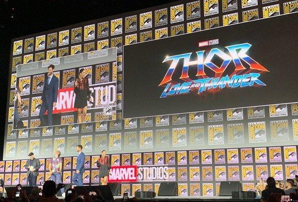 Thor Love and Thunder: Příštím Thorem bude žena, aneb co odhalil Comic-Con | Fandíme filmu