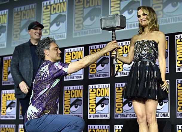 """Marvel """"vyhrál"""" Comic-Con s Thorem 4. Natalie Portman bude pro roli nabušená   Fandíme filmu"""