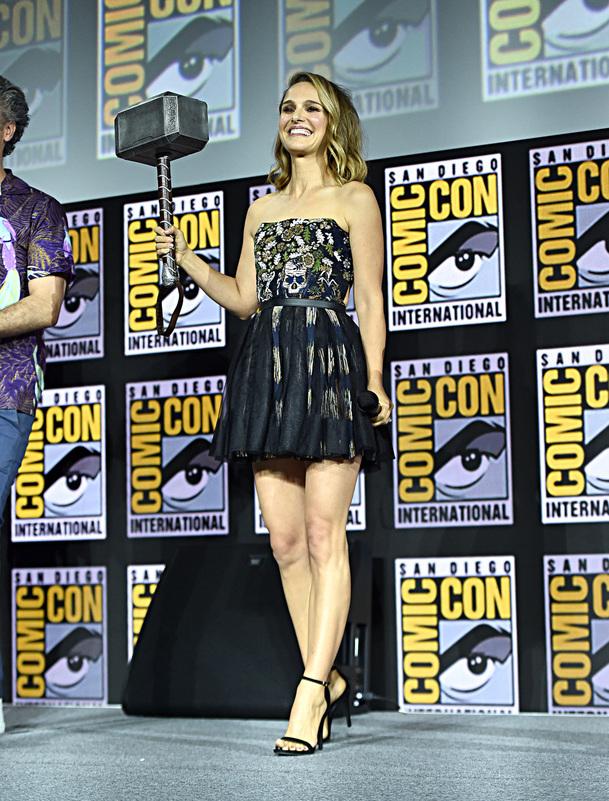 Thor: Love and Thunder: Hlavní postavou je stále Chris Hemsworth | Fandíme filmu