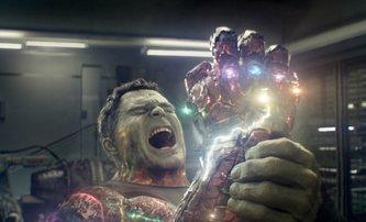 Avengers 3 a 4: Nové video ukazuje, jak měly vypadat scény z falešných scénářů | Fandíme filmu