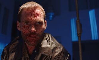 Bloodline: Stiffler jako zabiják ve stylu Dextera v prvním trailer   Fandíme filmu