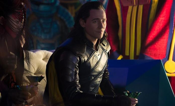 Loki: Marvel ulovil komediální režisérku od Netflixu | Fandíme filmu