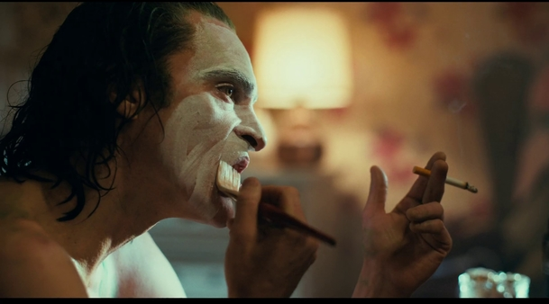 Joker byl pro Joaquina Phoenixe jednou z nejlepších hereckých zkušeností. Setká se s Batmanem?   Fandíme filmu