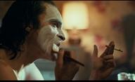 Joker: Phoenix při natáčení odcházel ze scény a nechtěl ve filmu Batmanova otce | Fandíme filmu