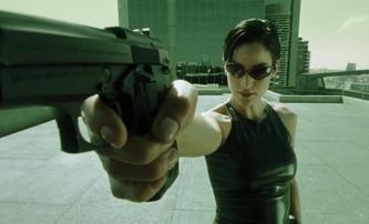 Matrix 4: Představitelka Trinity na prvních fotkách z natáčení | Fandíme filmu