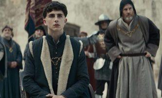 The King: Trailer na historické drama slibuje mix Hry o trůny se Shakespearem v moderním kabátě | Fandíme filmu