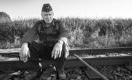 Nabarvené ptáče: Hvězdný Stellan Skarsgård chválí ambice českých tvůrců | Fandíme filmu