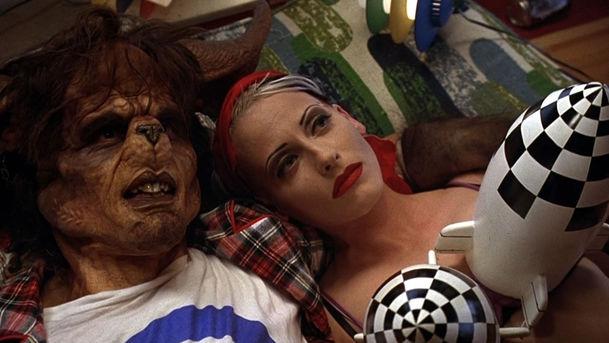 Tank Girl: Margot Robbie chystá punkový biják o holce z tanku, co randí se zmutovaným klokanem   Fandíme filmu