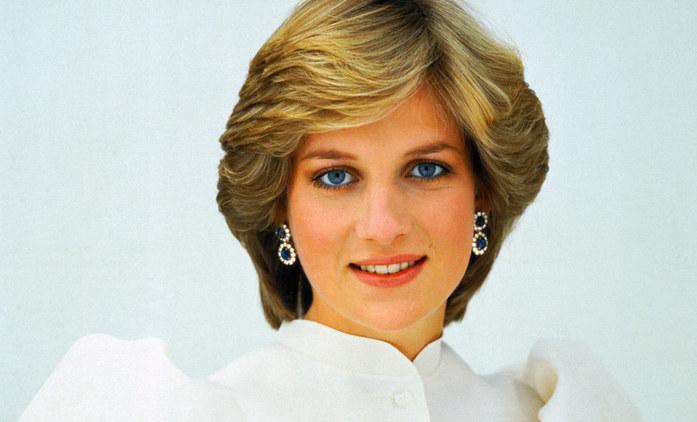 The Crown 4: Fotky z natáčení odhalily podobu princezny Diany | Fandíme seriálům