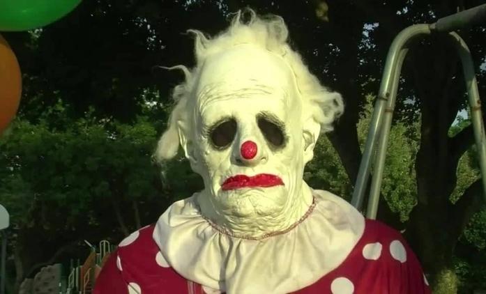 Wrinkles the Clown: Tenhle chlápek si nechává platit za to, že někoho přijde vystrašit jako klaun   Fandíme filmu