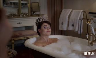 The Crown 3: Plnohodnotný trailer se soustředí na Olivii Colman a Helen Bonham Carter | Fandíme filmu