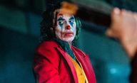 Joker: Se střihem pomáhali Joaquin Phoenix a Bradley Cooper | Fandíme filmu
