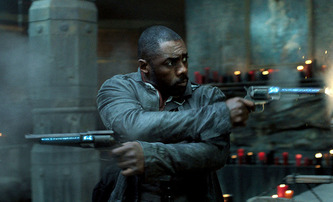 "The Harder They Fall: Idris Elba se upsal ""černošskému"" westernu z dílny Netflixu 