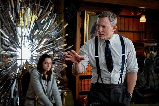 Recenze: Na nože - Moderní pohled na detektivní klasiku | Fandíme filmu