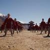 Mulan: Disney čelí kritice, v titulcích děkuje správcům převýchovných táborů | Fandíme filmu