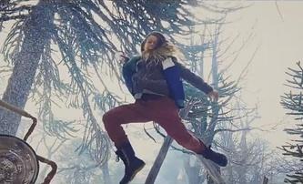 Snowbrawl: Režisér Johna Wicka natočil koulovačku jako akční řež. Mobilem | Fandíme filmu