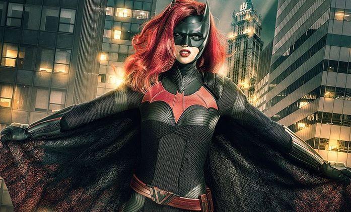 Batwoman: Zákulisní zdroj o tom, co stálo za odchodem herečky Ruby Rose   Fandíme seriálům