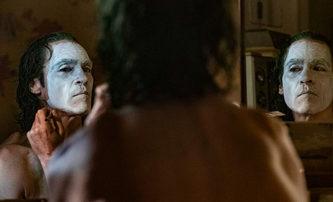Joker: Arthur Fleck možná není skutečný Joker a jak Phoenix hladověl | Fandíme filmu
