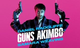 Guns Akimbo: Daniel Radcliffe střílí obouruč v našlapaném traileru na film, který připomíná videohru | Fandíme filmu