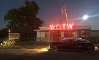 The Vast of Night: Sci-fi thriller o setkání s UFO v 50. letech se představuje   Fandíme filmu