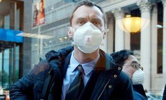 Herec Jude Law o tom, jak přesně film Nákaza předpověděl současnou světovou situaci | Fandíme filmu