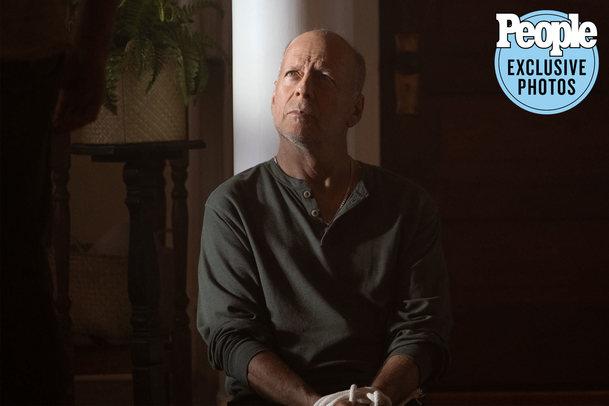 Survive the Night: Bruce Willis chrání rodinu před lupiči   Fandíme filmu