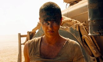Šílený Max: Prequel s mladší Furiosou se chystá, ve hře je další herečka | Fandíme filmu