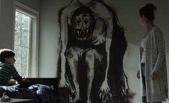 Z: V novém hororu rodinku terorizuje imaginární kamarád malého syna | Fandíme filmu