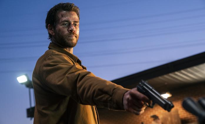 The Most Dangerous Game: Liam Hemsworth v prvním traileru hraje nebezpečnou hru | Fandíme seriálům
