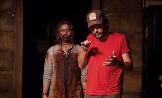 """16 States: Hollywoodská studia se poprala o """"aktuální"""" scénář o zombie pandemii   Fandíme filmu"""