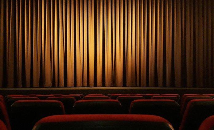 Podle analytiků se kina plně nevzpamatují do roku 2024 | Fandíme filmu