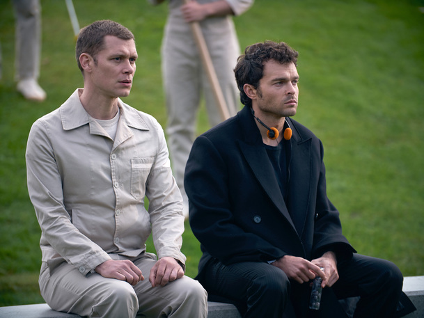 Konec civilizace: Seriál z dystopické budoucnosti se představuje v novém traileru   Fandíme serialům