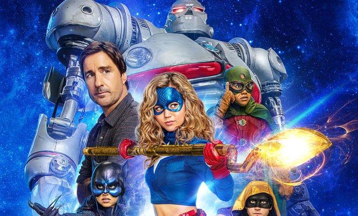 První dojmy: Stargirl - Nový DC seriál potěší hlavně mladší diváky | Fandíme seriálům