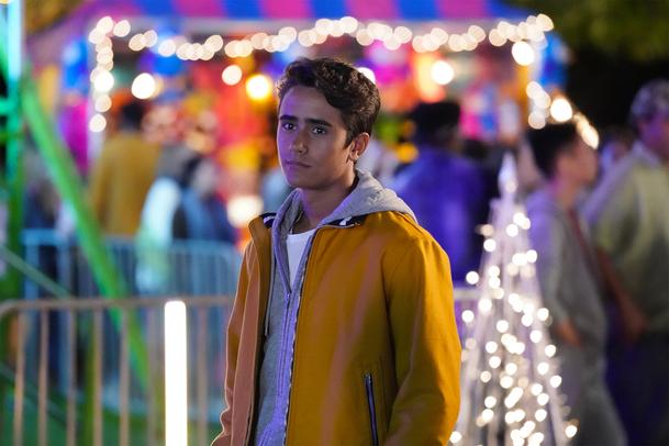 První dojmy: Love, Victor - Spin-off k filmu Já, Simon má srdce, ale až příliš se bojí riskovat | Fandíme serialům