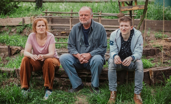 Chataři: Nový rodinný seriál od tvůrce MOSTU! a režiséra Teorie tygra | Fandíme seriálům