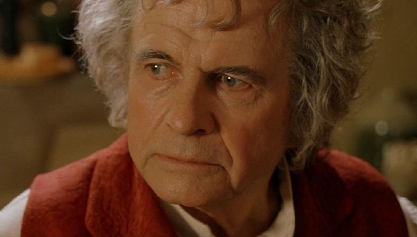 Zemřel Ian Holm, představitel Bilba Pytlíka z Pána prstenů | Fandíme filmu