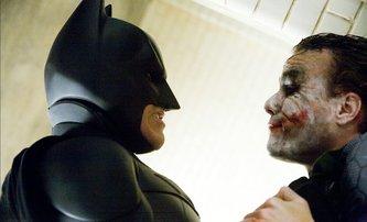 Temný rytíř: Scéna výslechu Jokera měla být ještě brutálnější   Fandíme filmu