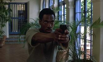 Policajt v Beverly Hills: Ikonickou roli Eddieho Murphyho měl hrát Stallone | Fandíme filmu