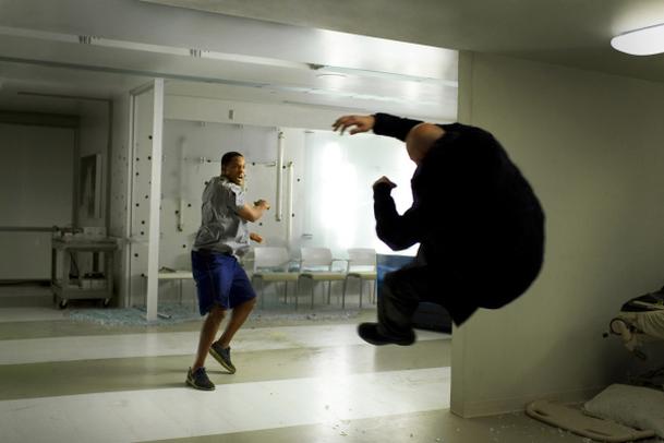 Hancock 2: Charlize Theron by se s chutí vrhla na dvojku   Fandíme filmu