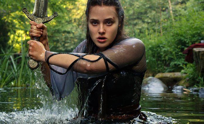 Prokletá: Fantasy novinka od Netflixu se představuje akčním trailerem   Fandíme seriálům