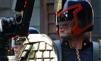 Dredd vs Dredd: Sylvester Stallone dorovnal Karla Urbana | Fandíme filmu